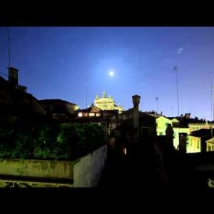 Roof tops of Venice time-lapse at night.