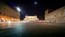 Heavy traffic in the square by the VIttoriano in Rome, caught on time-lapse.