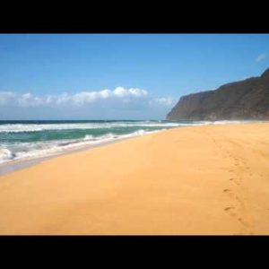 Time-lapse of the Polihale State Park on Kauai, Hawaii.