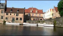 Time-lapse of a canal in Brugge.