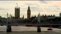 Hungerford Bridge timelapse with trains and boats