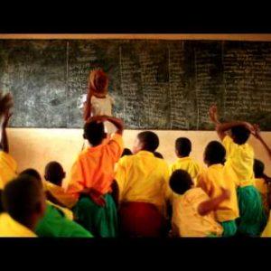 Full classroom in Kenya.