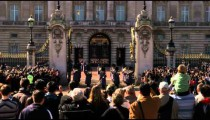 Clip of the changing of the guards at Buckingham Palace.