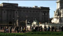 Far shot of the changing of the guards at Buckingham Palace.