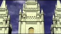 Tilt up the face of Salt Lake City Mormon temple