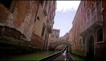 Slow motion gondola ride