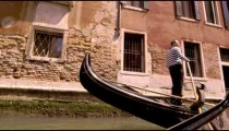 Gondola stopping in slow motion