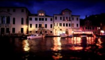 Sped-up footage of Grand Canal at dusk