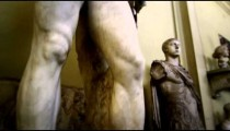 Rising shot of Hercules and Telephus at the Vatican