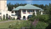 Chateau Lake Louise Entrance zoom